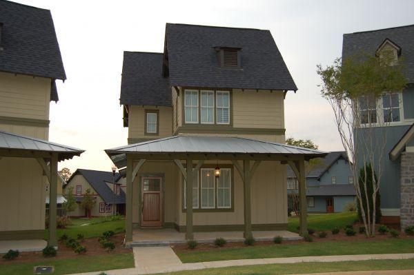 3BR - Hemlock Cottages Street View